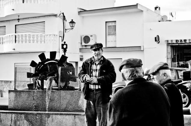 Hombres de la plaza